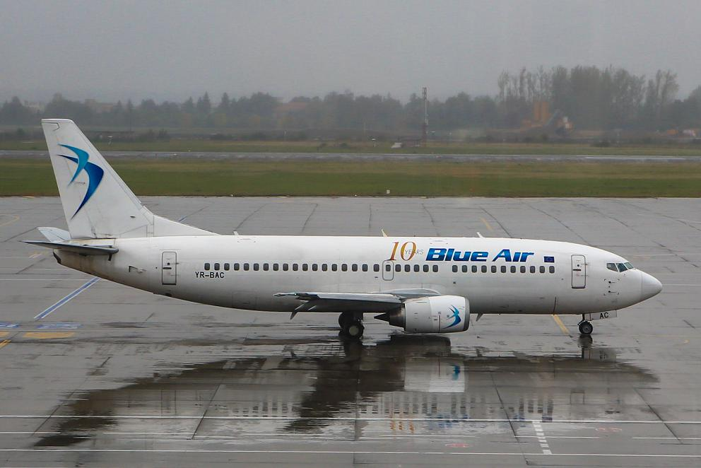 Боинг-737-300 YR-BAC авиакомпании Blue Air в аэропорту Бухареста