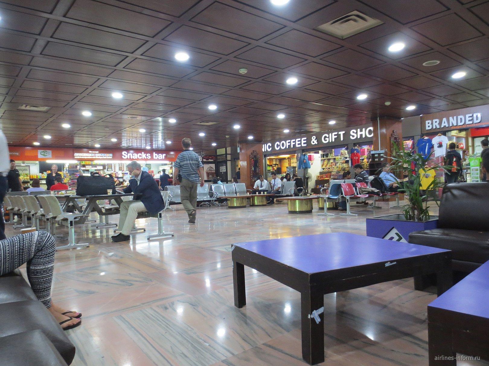 В чистой зоне аэропорта Катманду Трибхуван