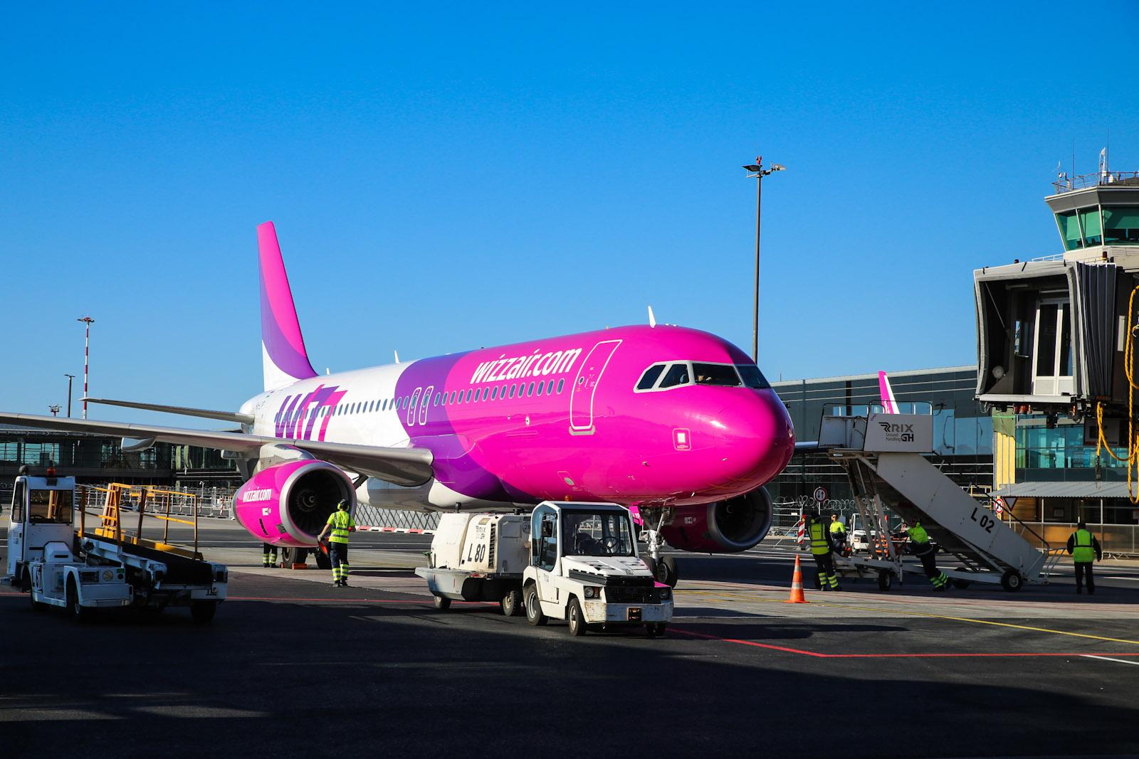 Airbus A320 авиакомпании Wizz Air в аэропорту Рига