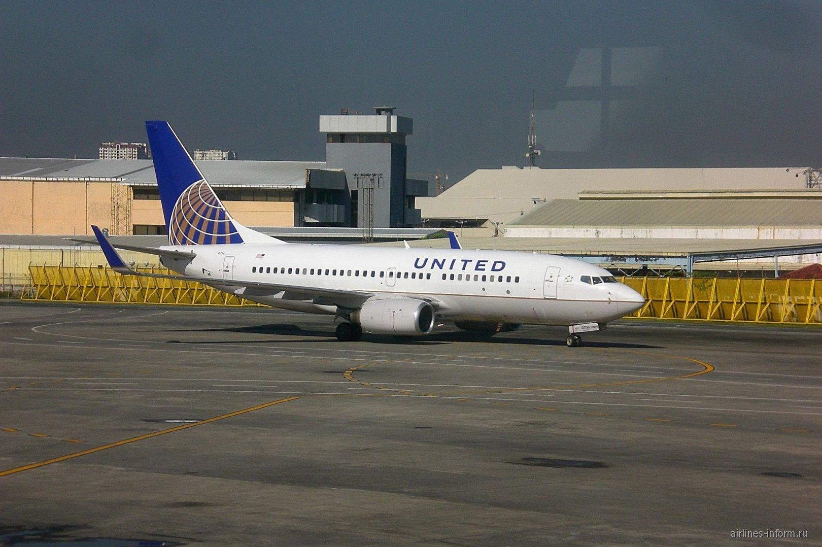 Боинг-737-700 авиакомпании United в аэропорту Манилы