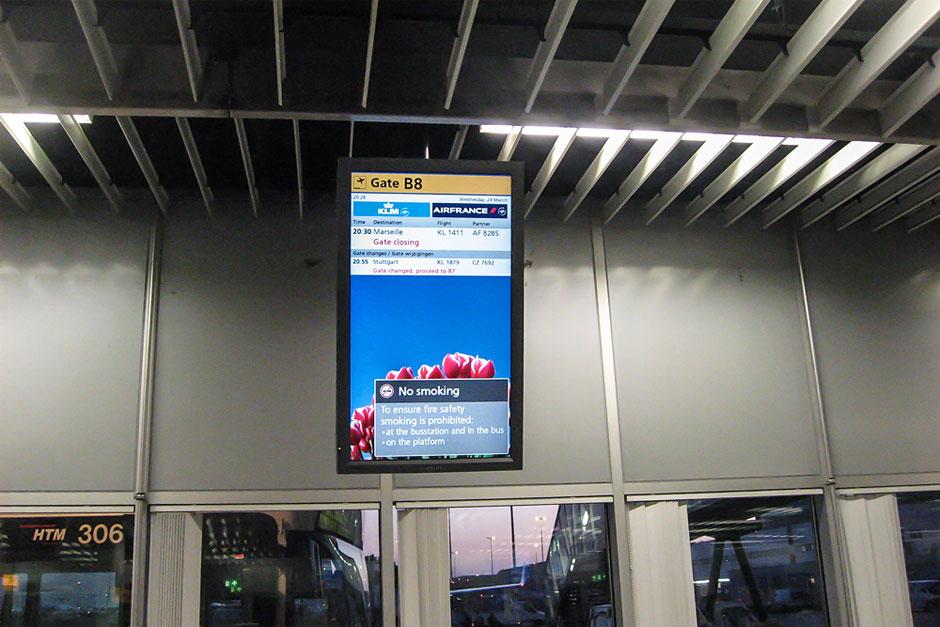 Посадка на рейс Амстердам-Марсель авиакомпании КЛМ