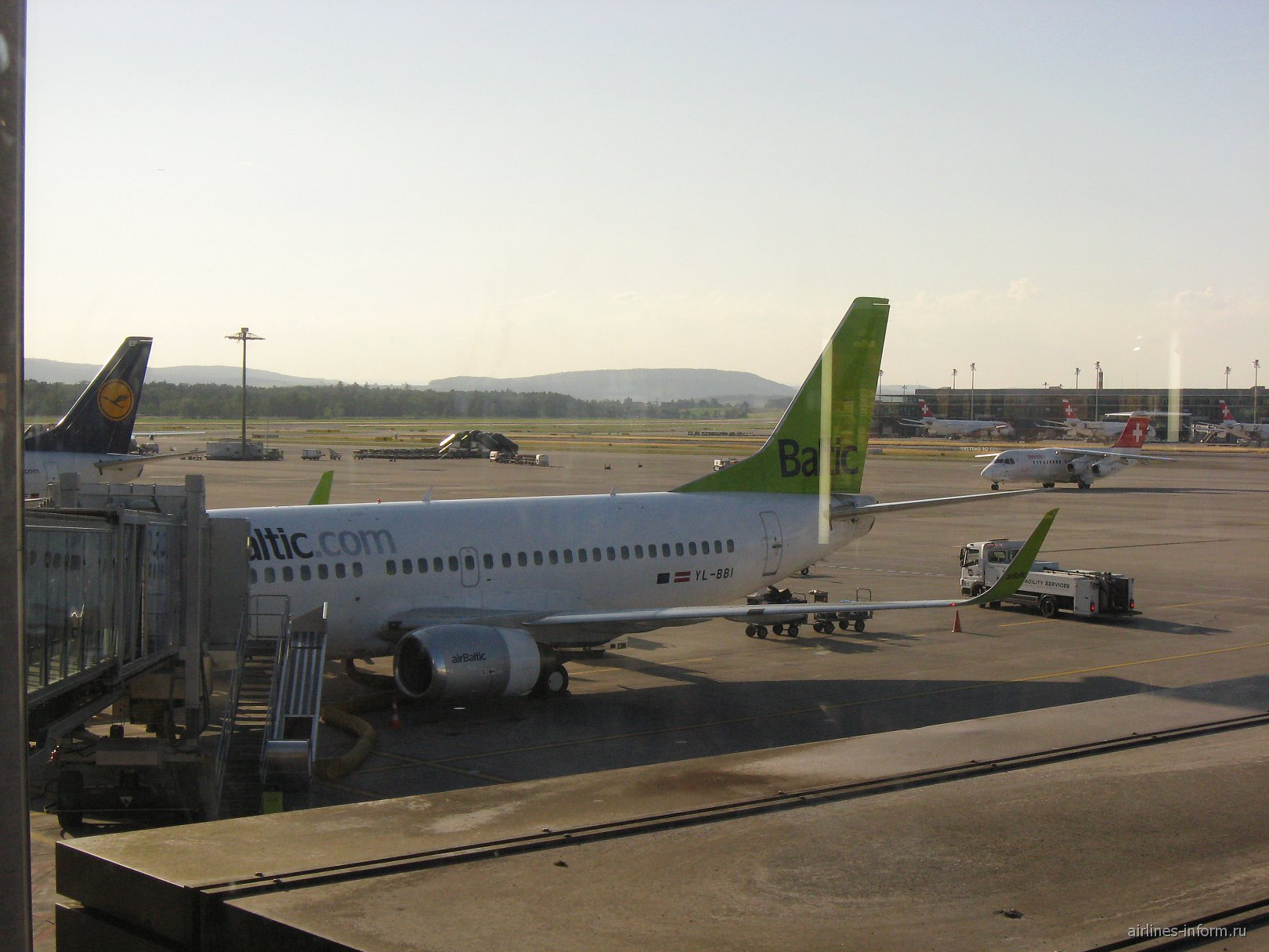 B733 Air Baltic