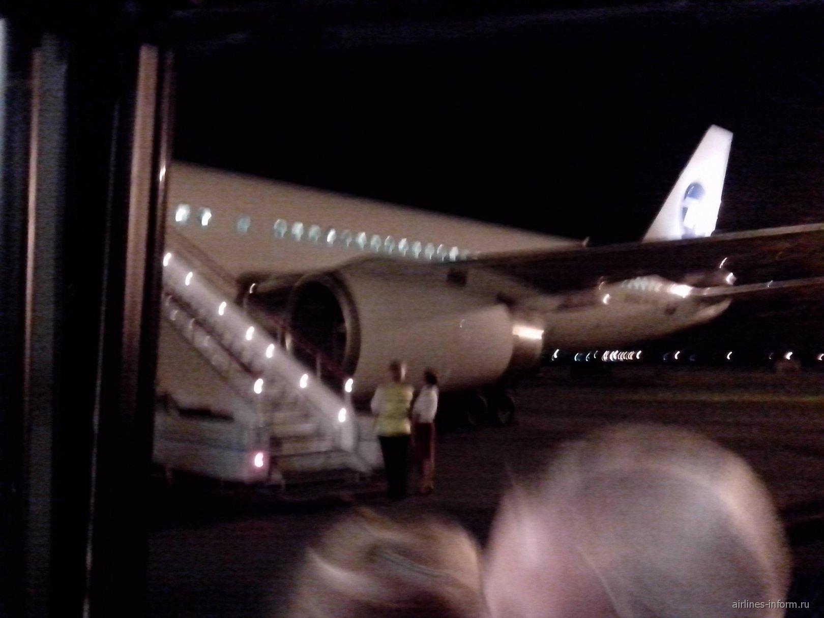 Боинг-757 ЮТэйр в аэропорту Анталья