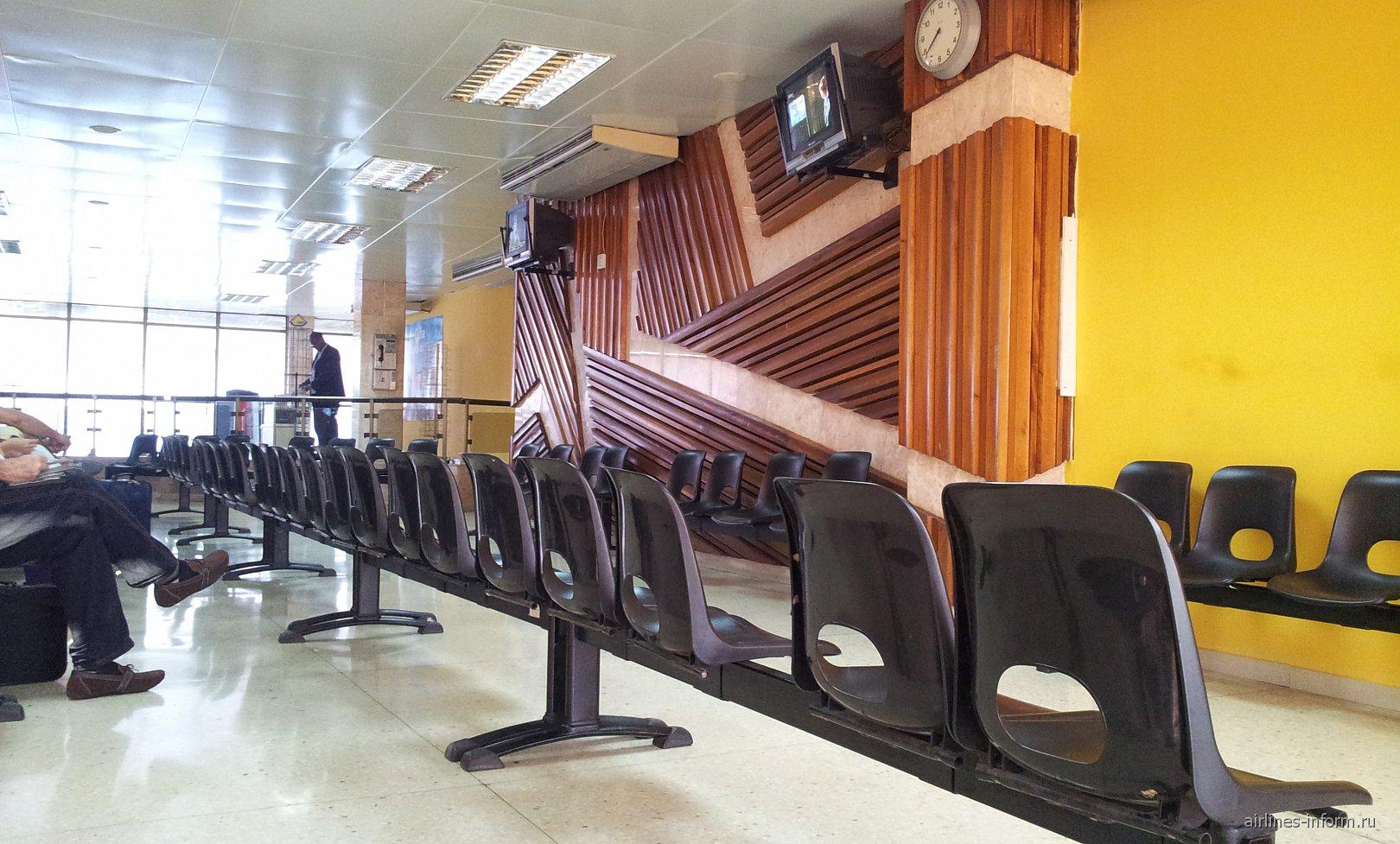 Накопитель в аэропорту Сантьяго-де-Куба