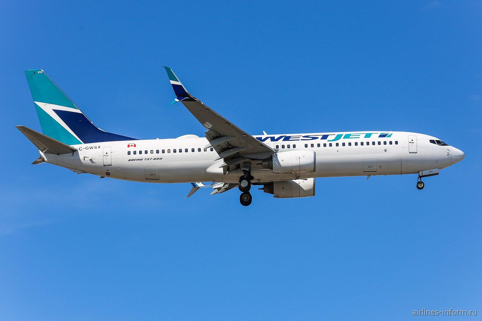 Boeing 737-800 C-GWSX авиакомпании WestJet