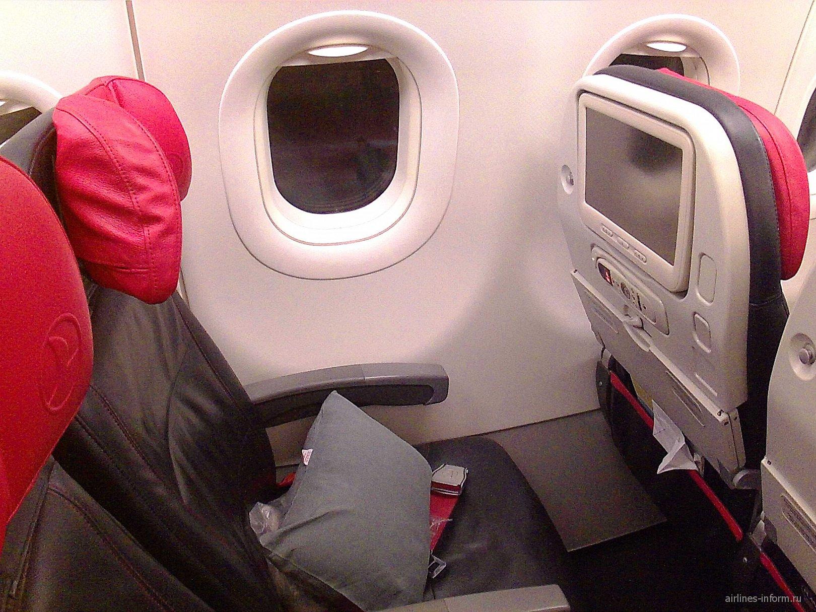 Пассажирское место в самолете Airbus A321 Турецких авиалиний