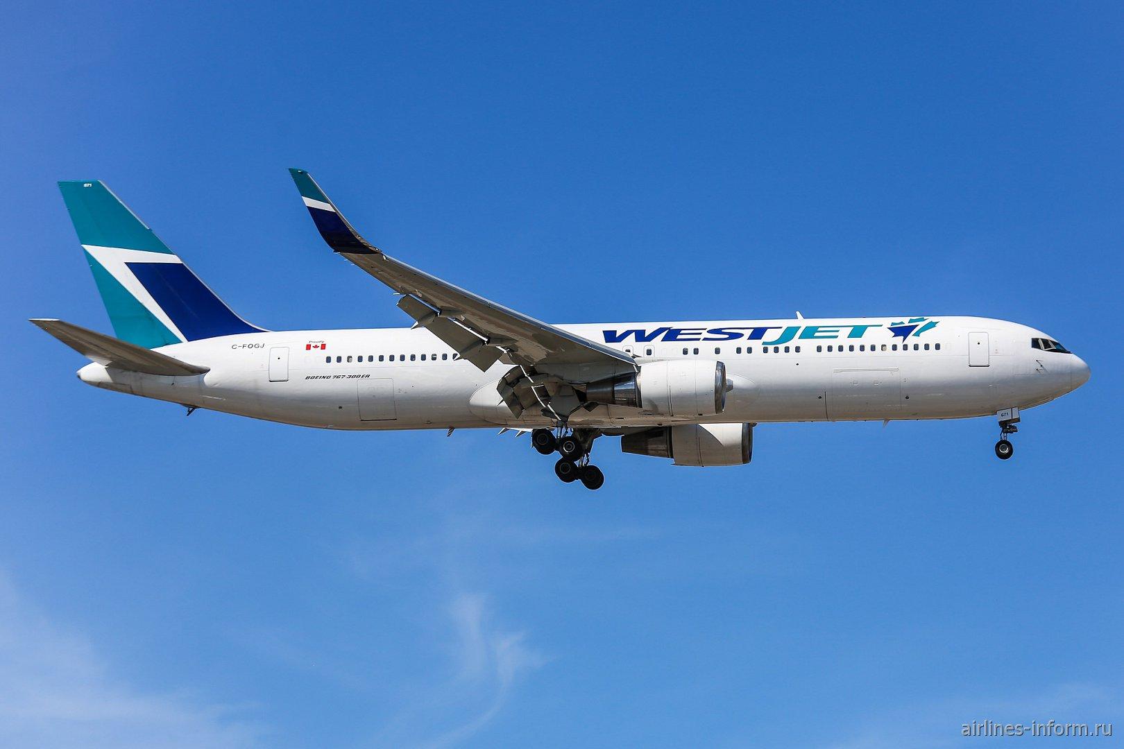Самолет Боинг-767-300 авиакомпании WestJet