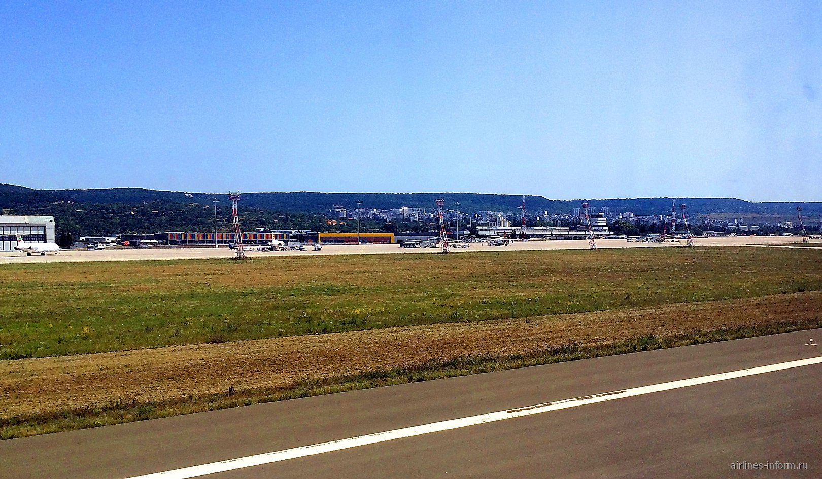 Перрон аэропорта Варна