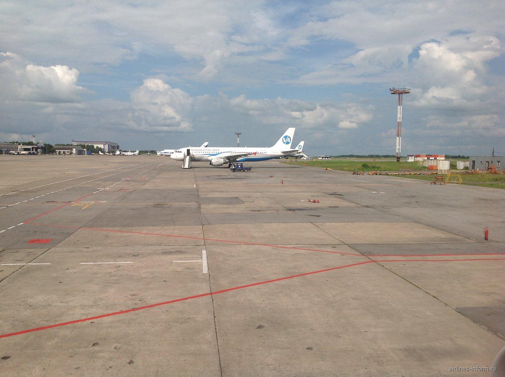 Перрон аэропорта Хабаровск Новый