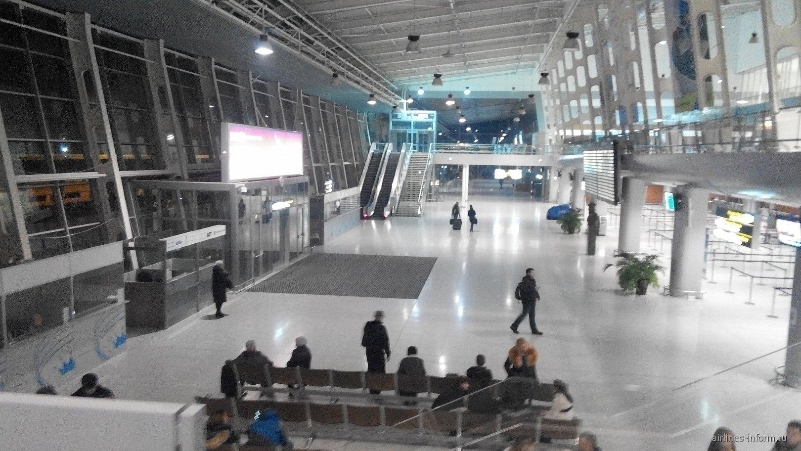 В новом пассажирском терминале аэропорта Львов им. Короля Данилы Галицкого