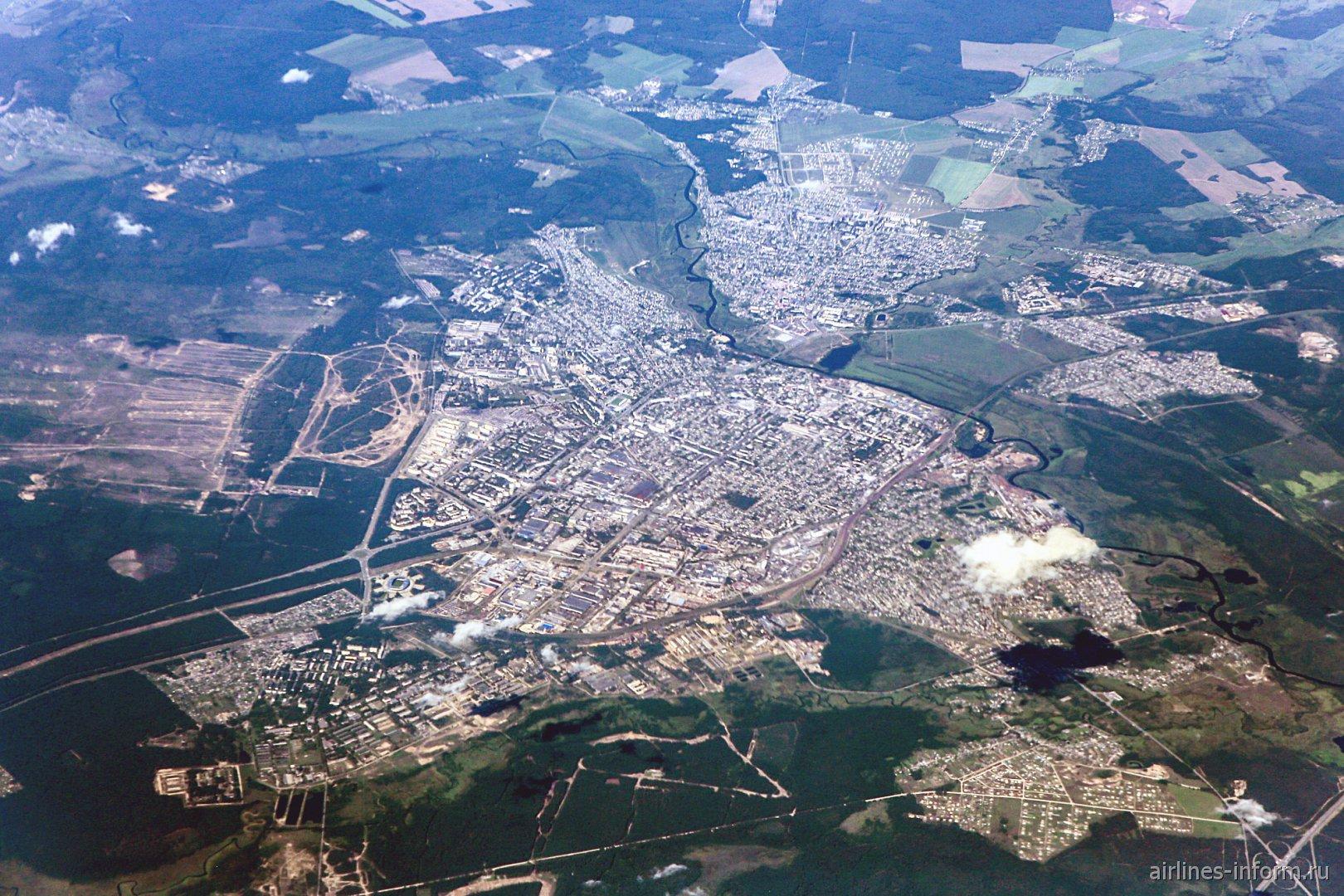 Вид из самолета на белорусский город Борисов