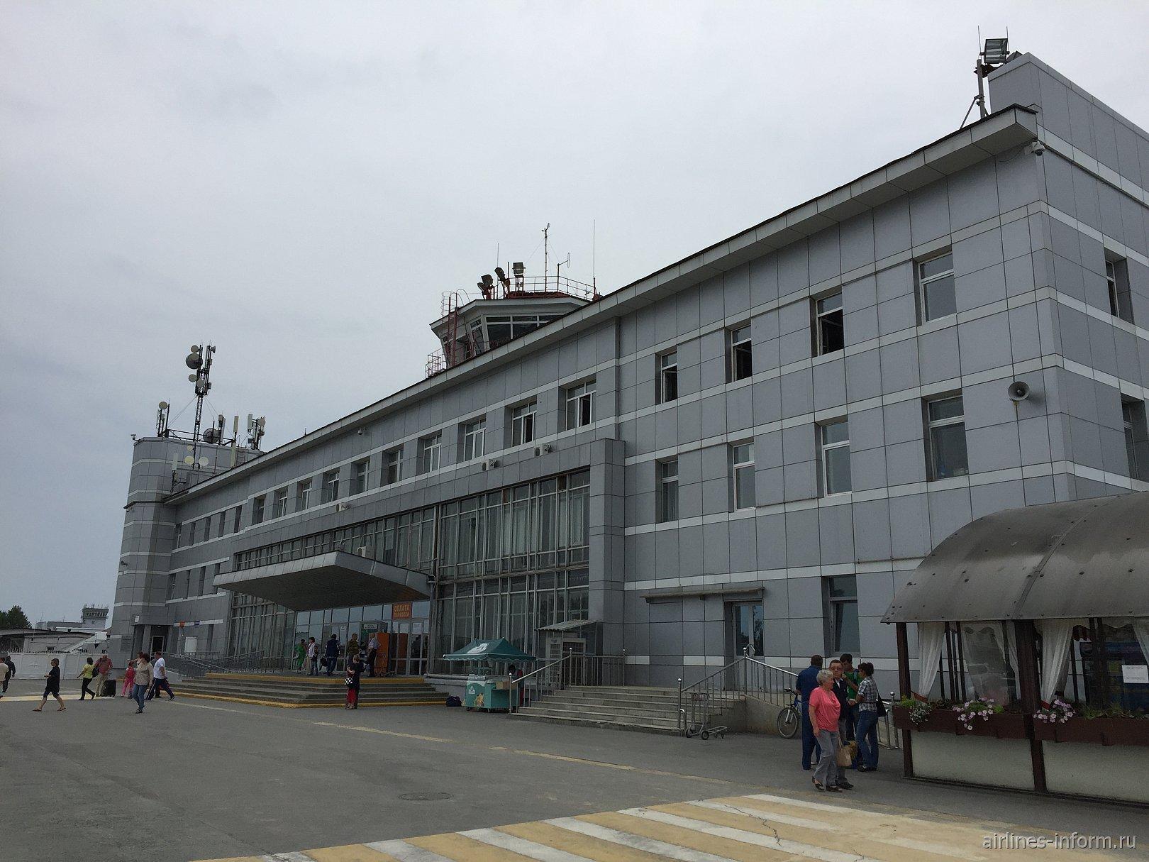 Южно-Сахалинск-Москва, на А-330.