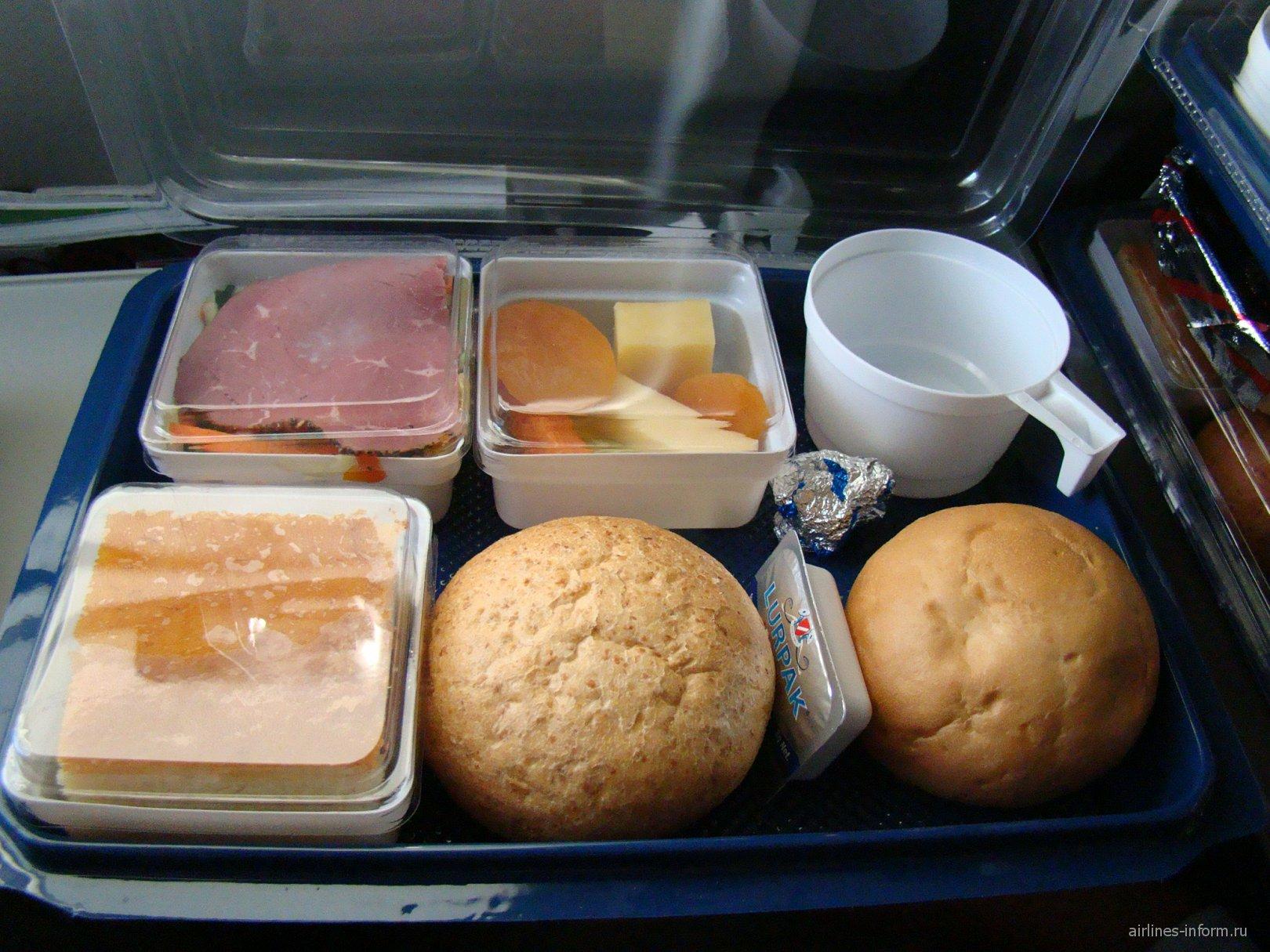 Питание на рейсе S7 Airlines Гонконг-Владивосток