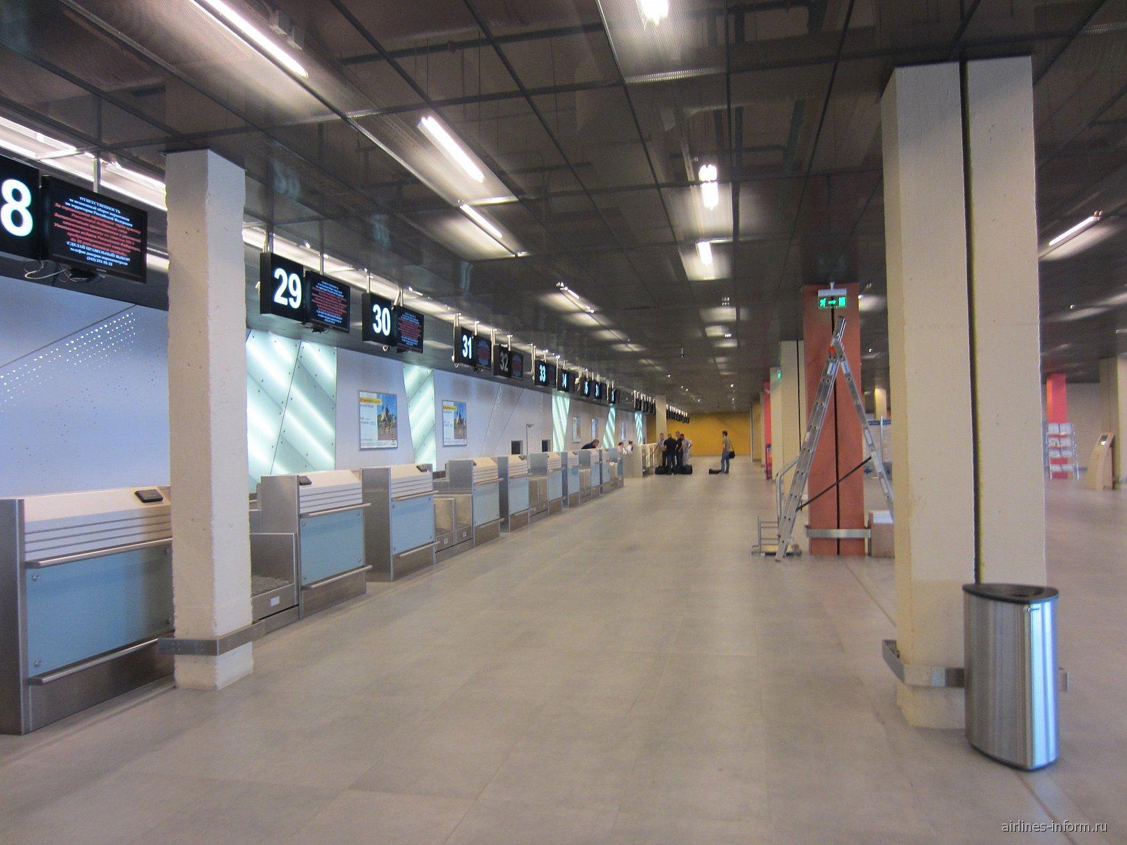 Стойки регистрации в аэропорту Кольцово