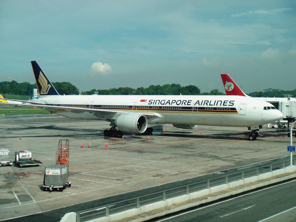 Боинг-777-300 Сингапурских авиалиний в аэропорту Сингапур Чанги