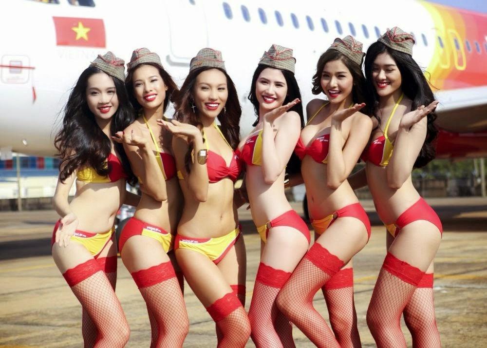 Рекламное фото стюардесс авиакомпании Vietjet Air
