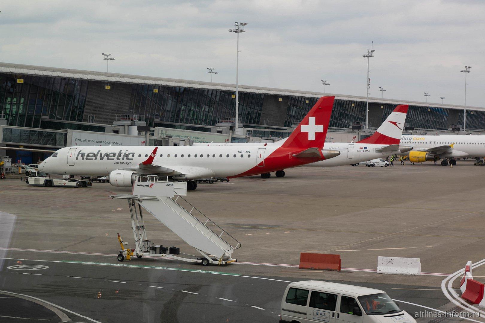 Майские в Бельгии. Цюрих - Брюссель LX770 на E190 Helvetic Airways