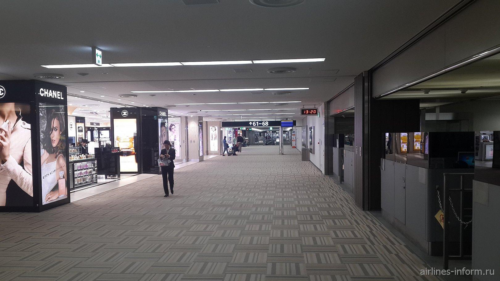 В чистой зоне аэропорта Токио Нарита
