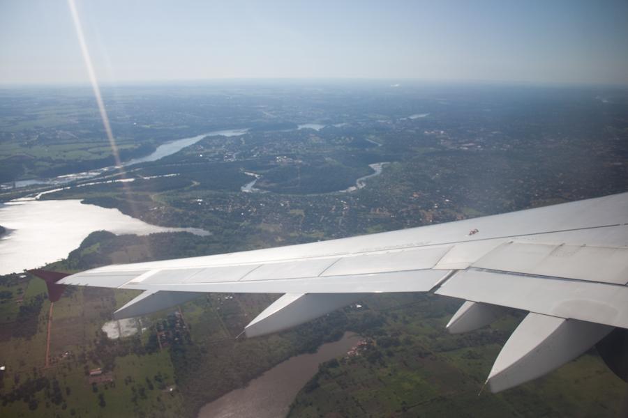 Заход на посадку в аэропорт Фоз-до-Игуасу