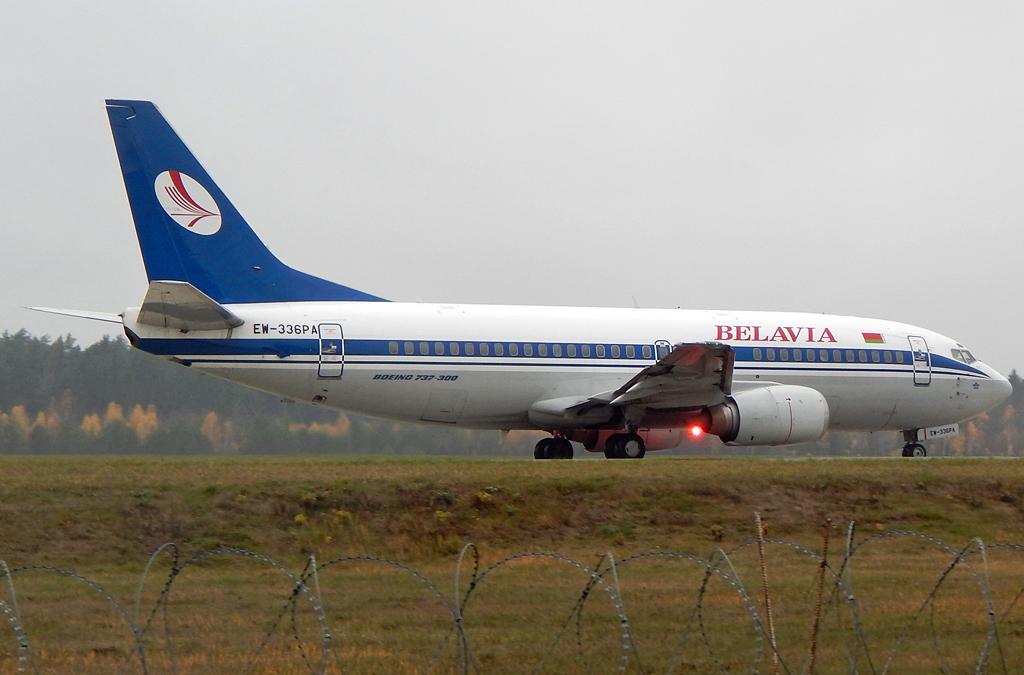 Самолет Боинг-737-300 EW-336PA авиакомпании Белавиа