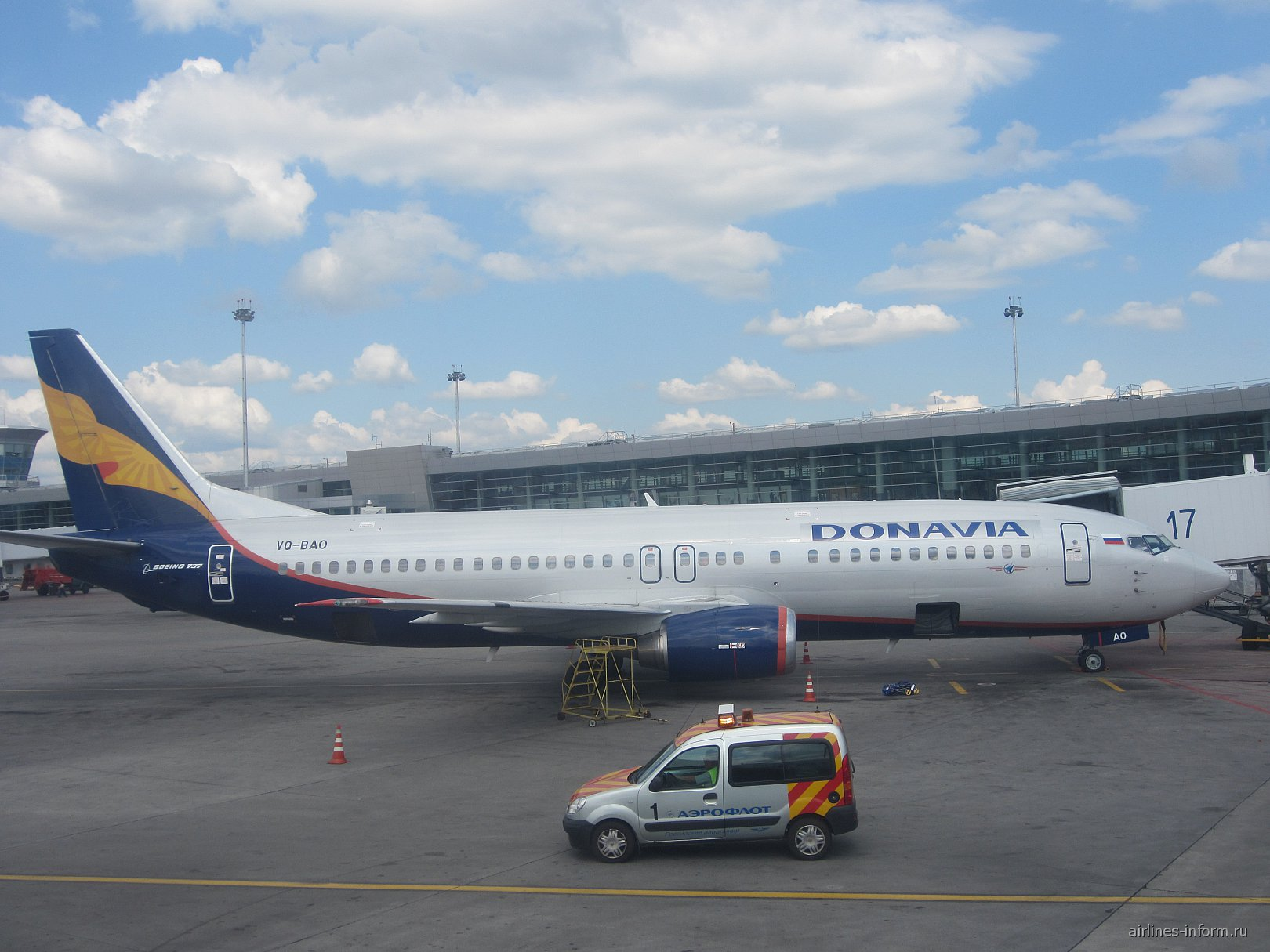 Боинг-737-400 VQ-BAO авиакомпании Донавиа в аэропорту Шереметьево