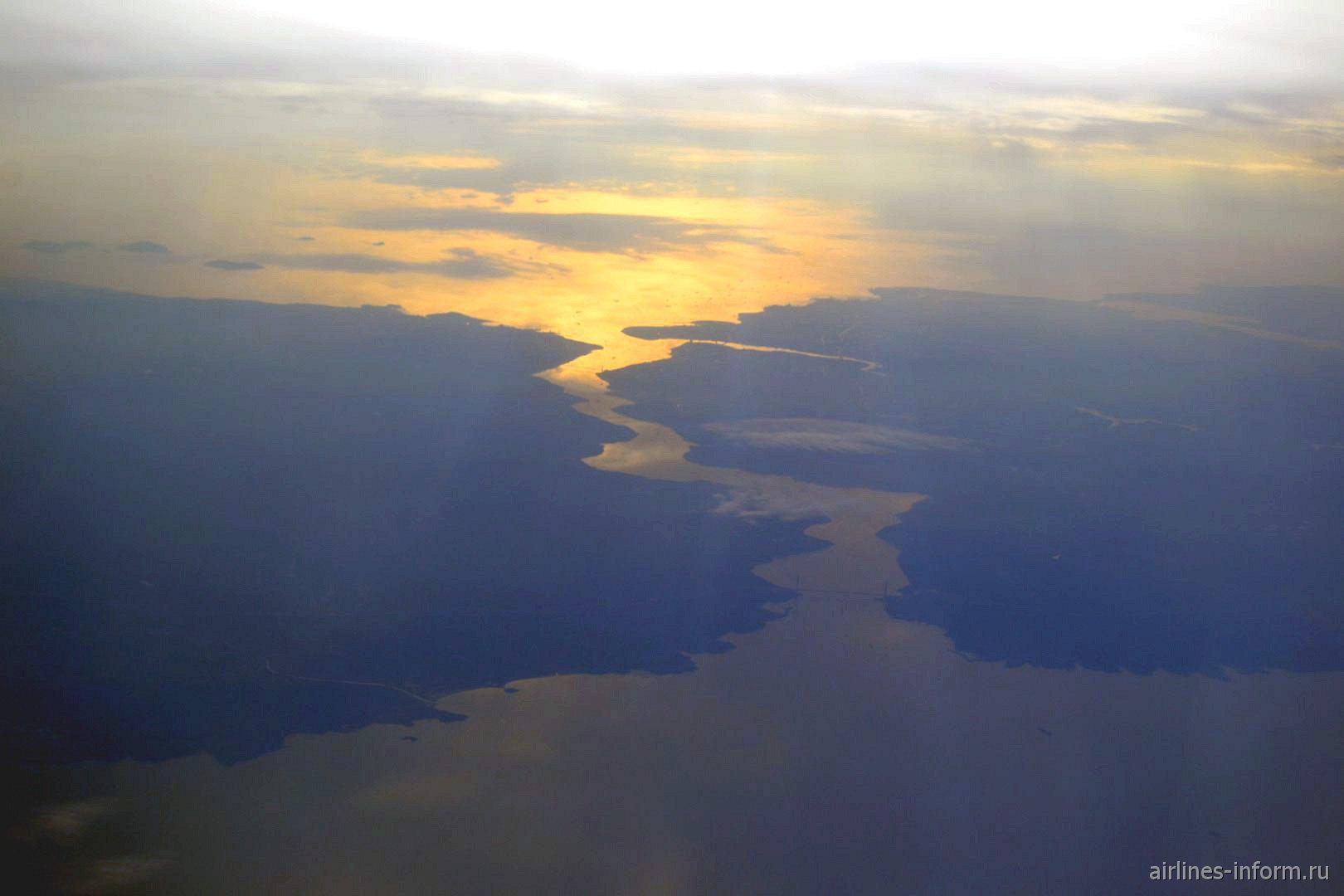 Пролив Босфор на закате