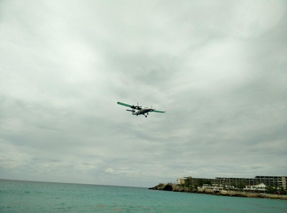 Посадка самолета в аэропорт Сен-Мартен