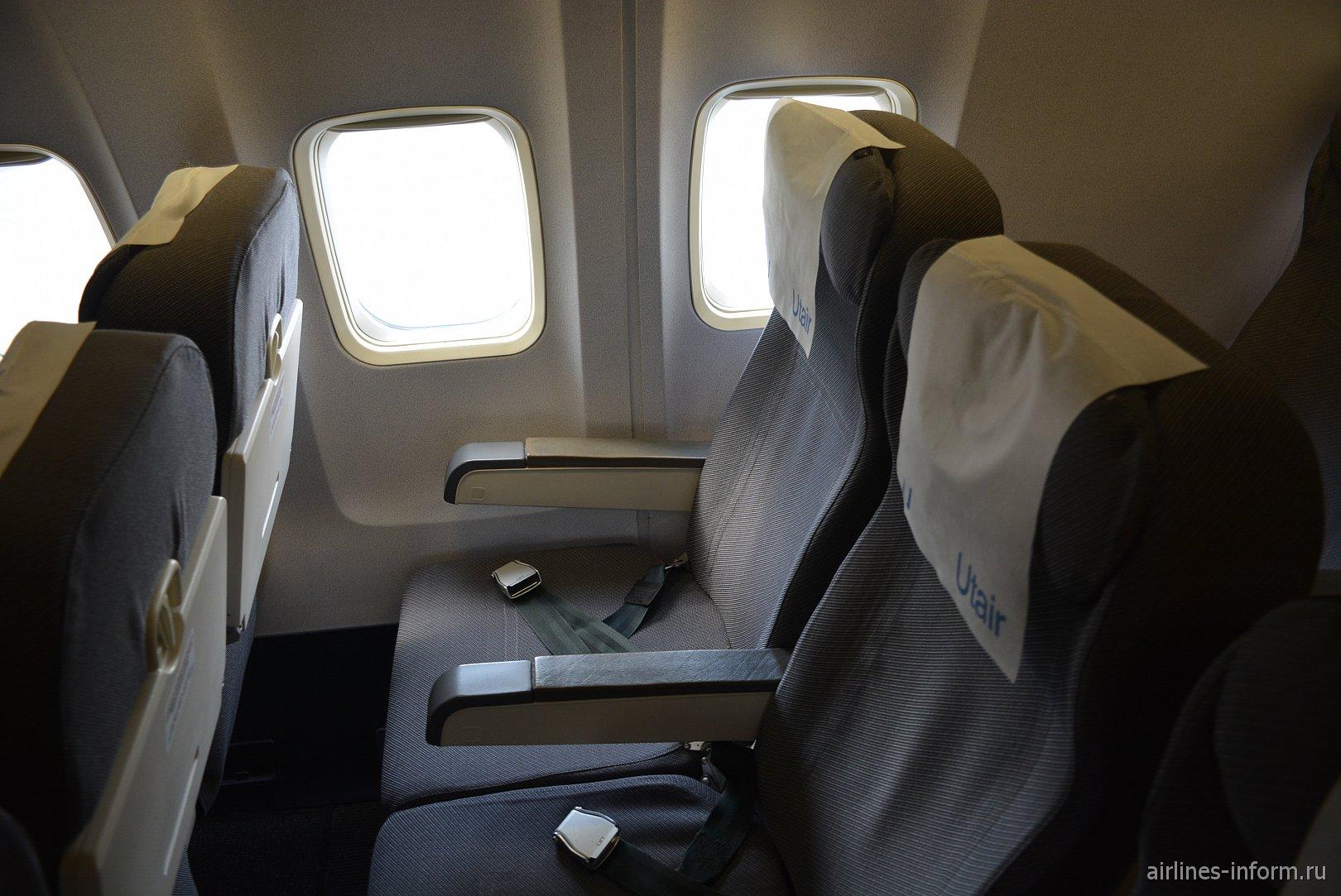 Кресла эконом-класса в Боинге-737-500 авиакомпании Utair