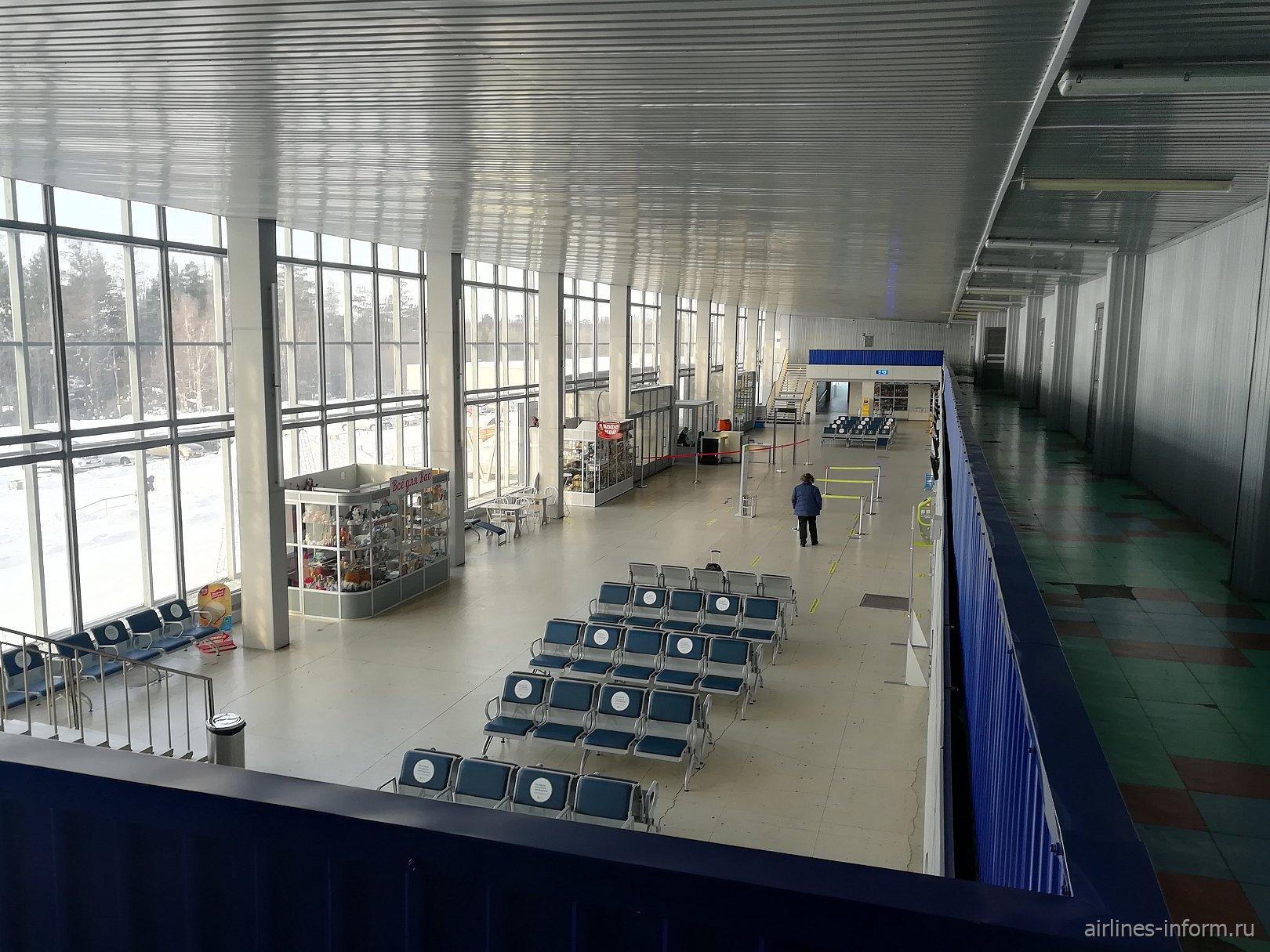 Общий вид внутри аэровокзала аэропорта Братск