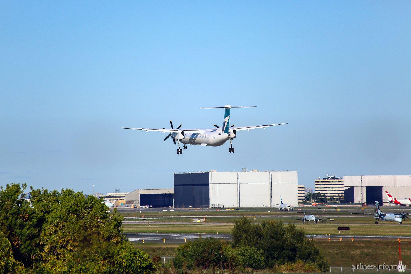 Посадка Bombardier Dash 8 Q400 в аэропорту Торонто Пирсон