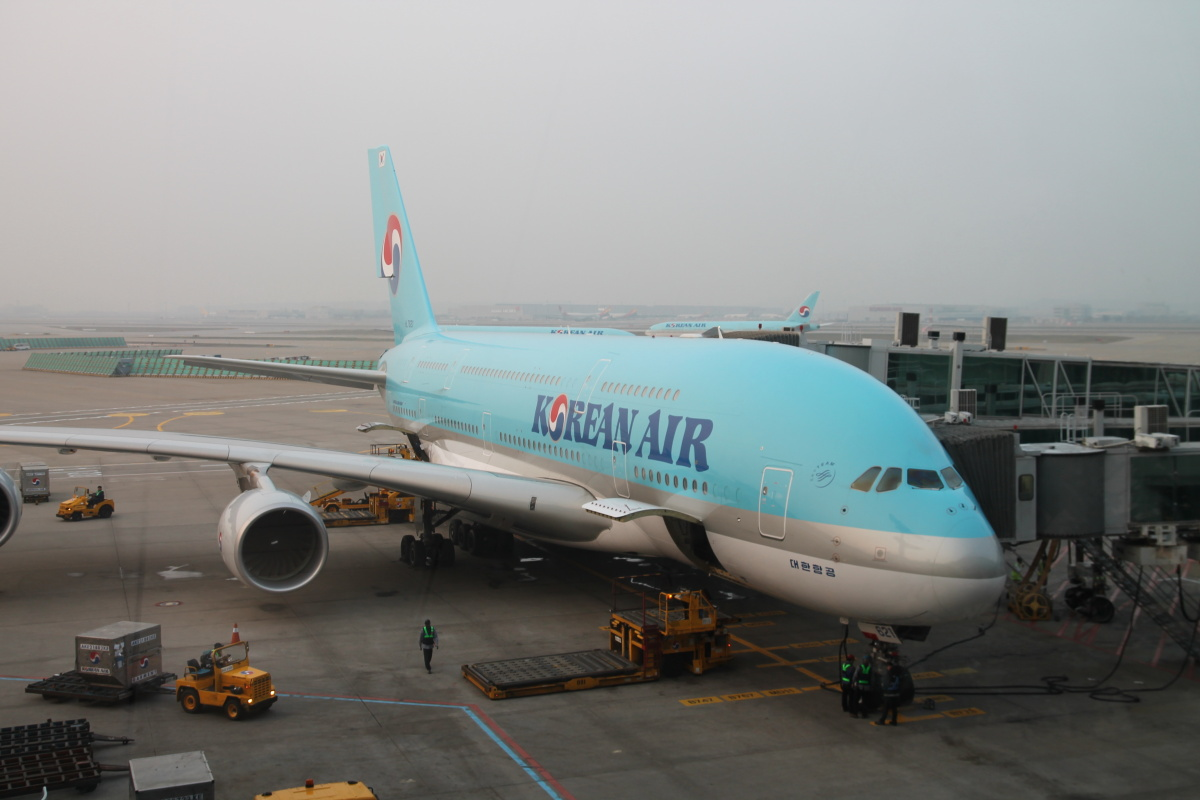 Airbus A380 авиакомпании Korean Air в аэропорту Сеул Инчхон