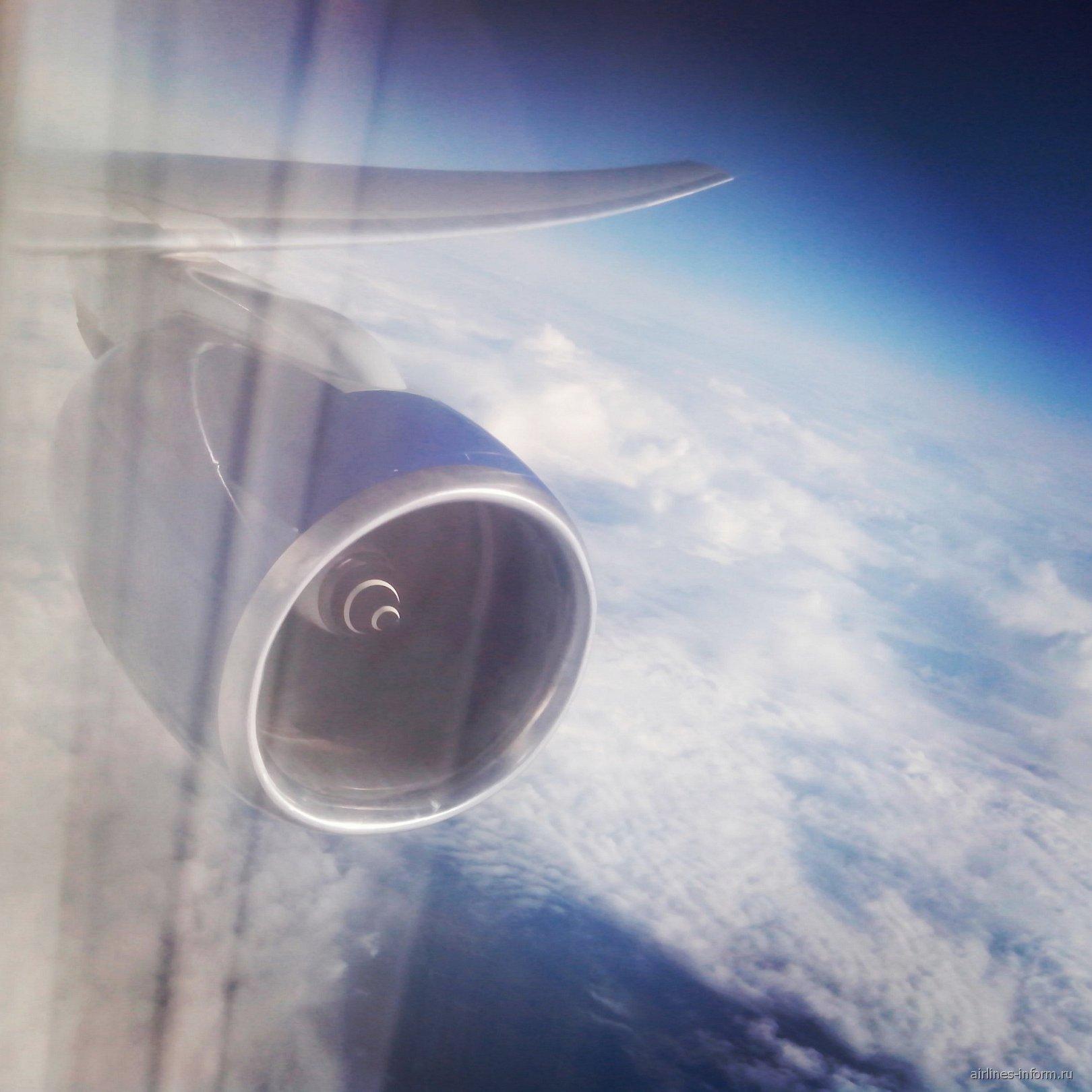 Последний полёт с Трансаэро. Владивосток (VVO) - Москва (DME) на Boeing 777-300 EI-UNL