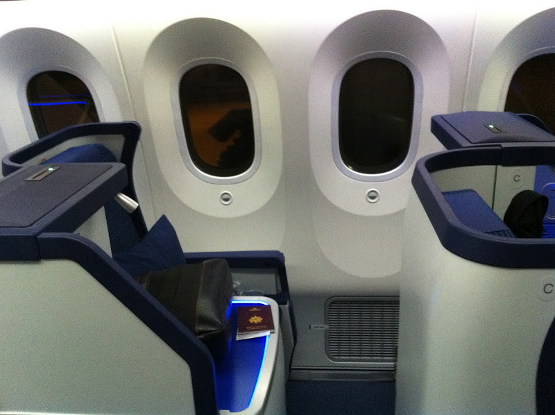 Business class cabin in Boeing 787-800