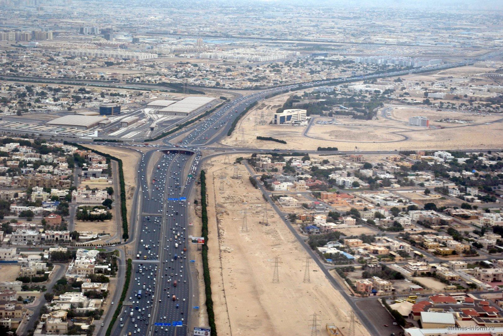 Жилые кварталы при взлете из аэропорта Дубай