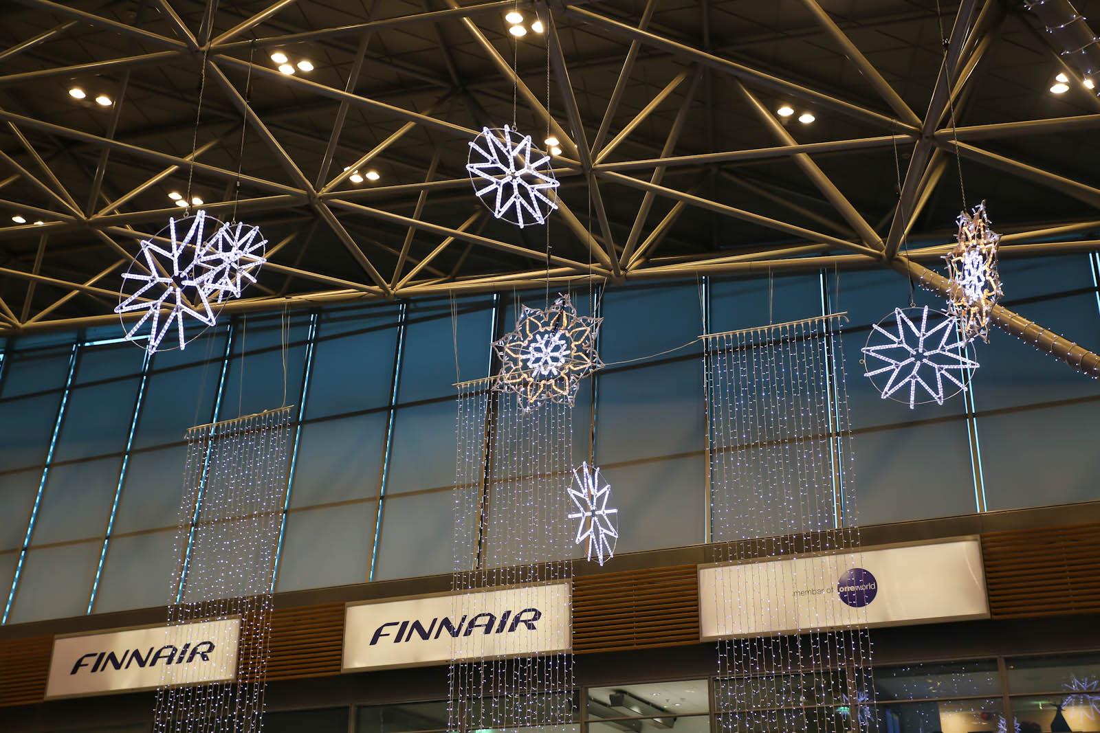 Внутри Терминала 2 аэропорта Хельсинки Вантаа