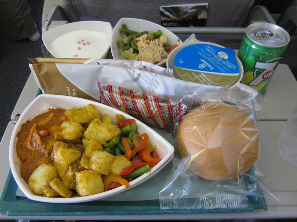 Питание на рейсе Emirates Дубай-Москва