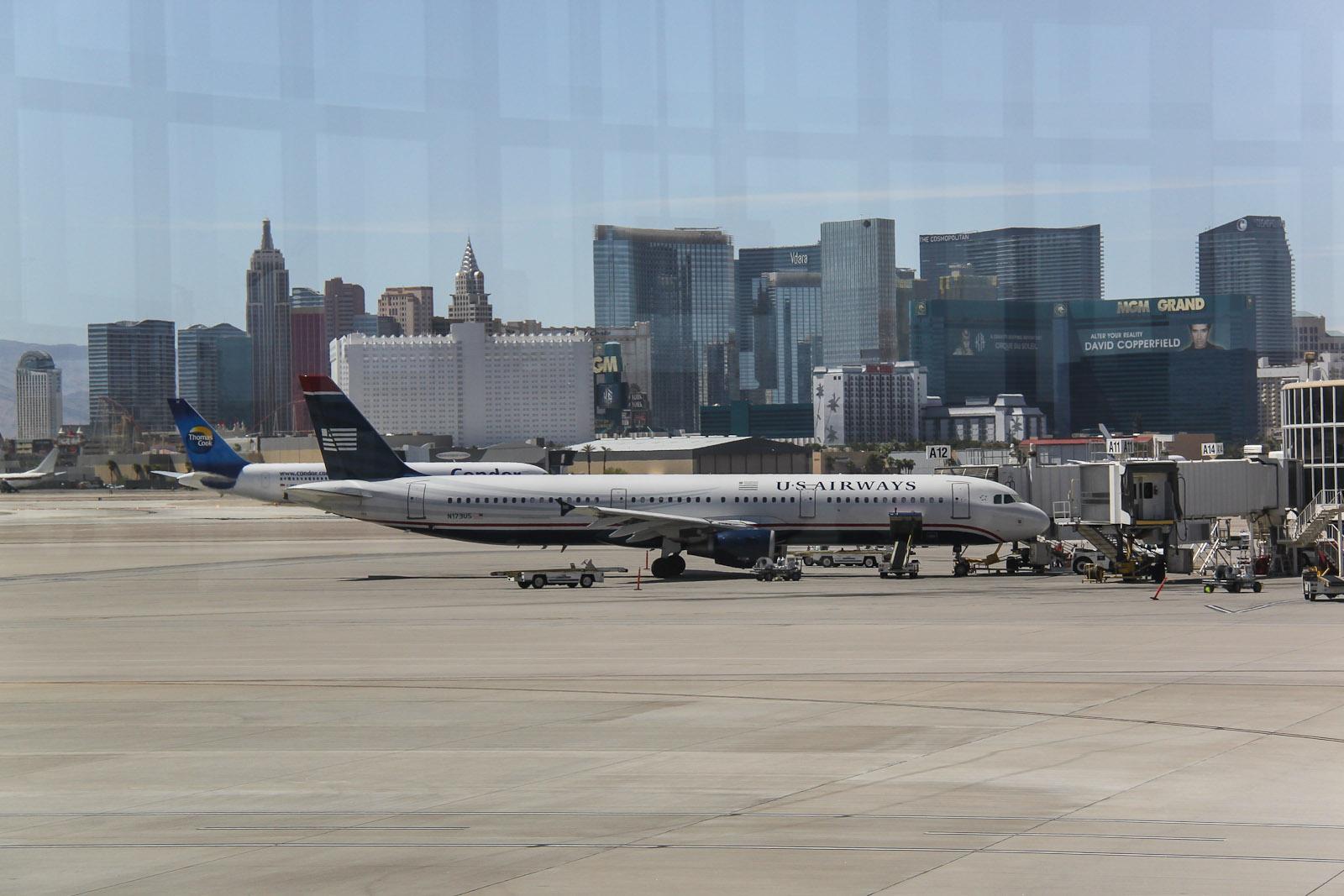 Перрон аэропорта Лас-Вегас Мак-Каран
