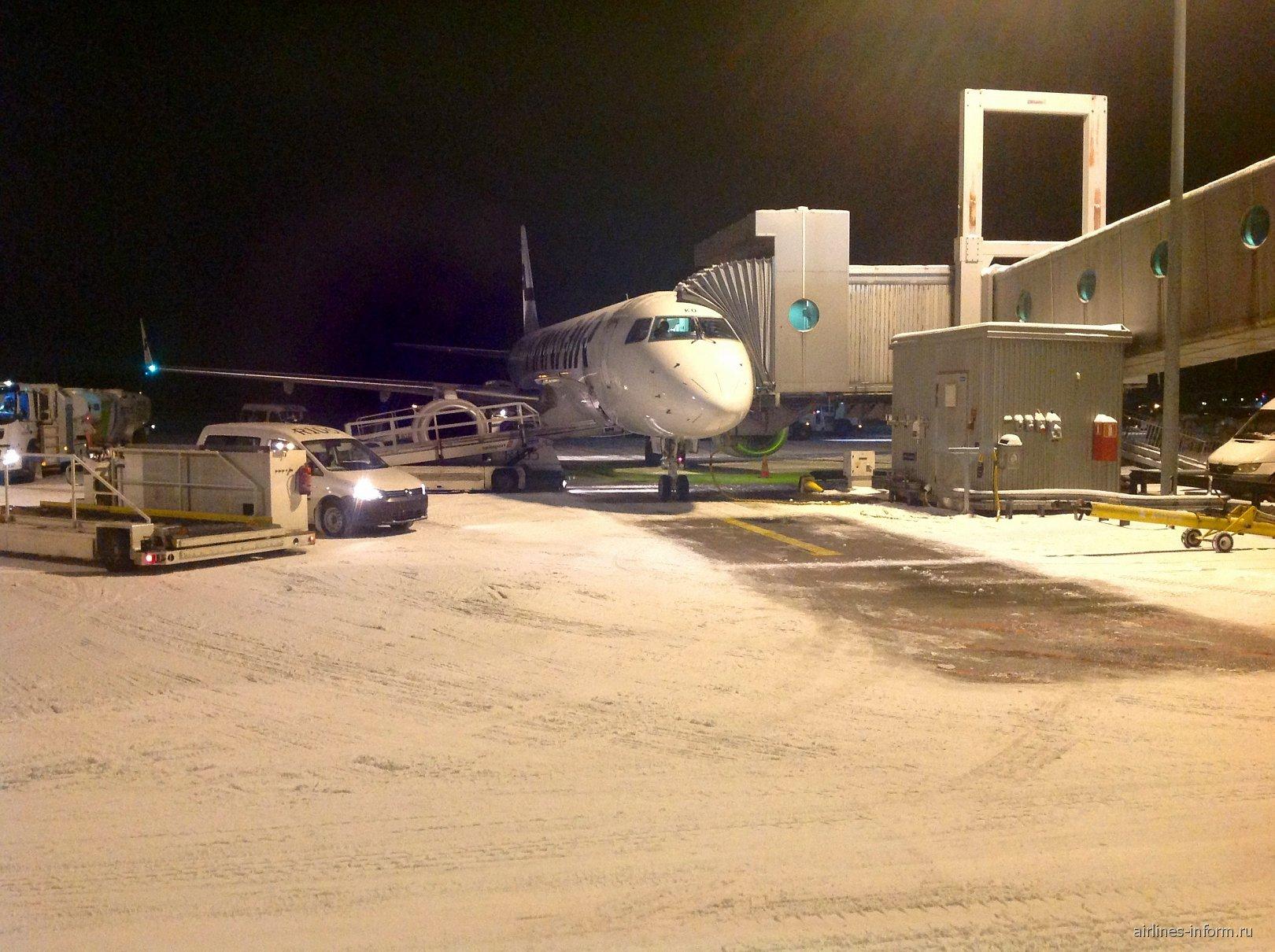 Embraer 170 Finnair в аэропорту Хельсинки Вантаа