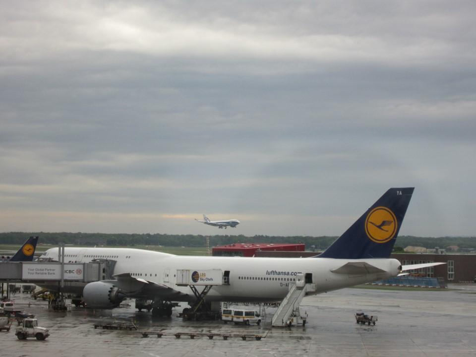 Боинг-747 Люфтганзы в аэропорту Франкфурт-на-Майне