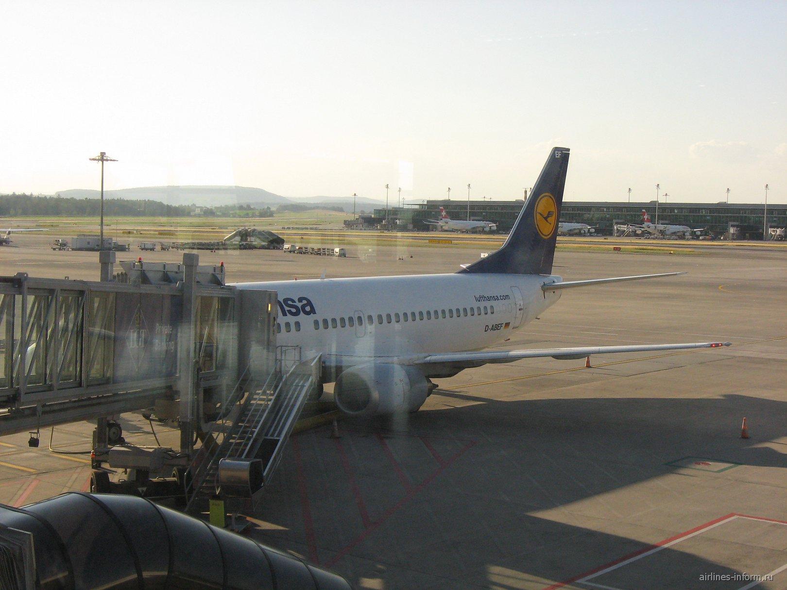 B733 Lufthansa