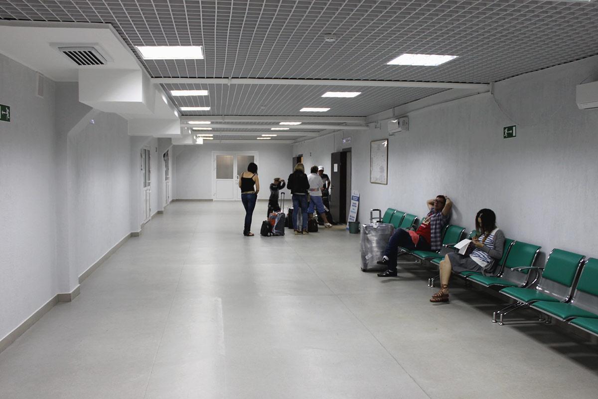 В аэровокзале аэропорта Емельяново
