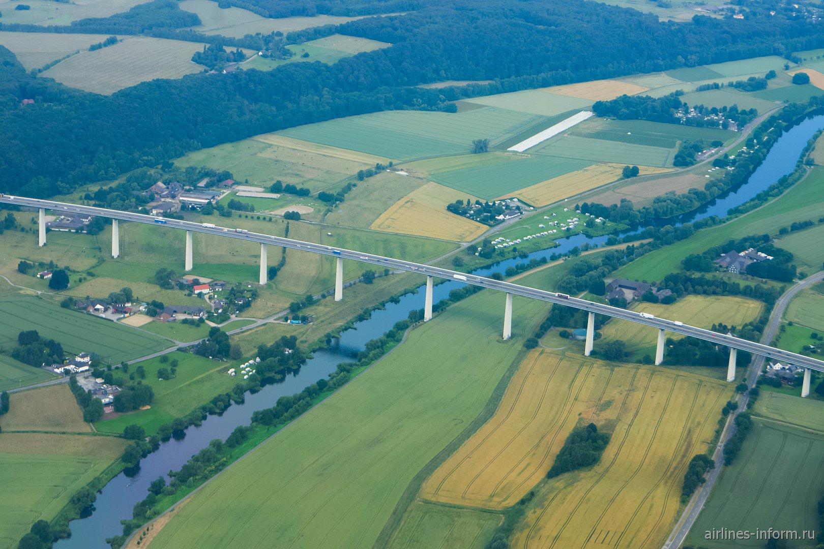 Мост через реку Рур в Германии