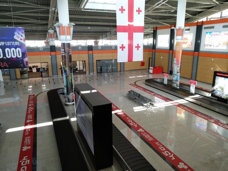 Зона выдачи багажа в аэропорту Тбилиси