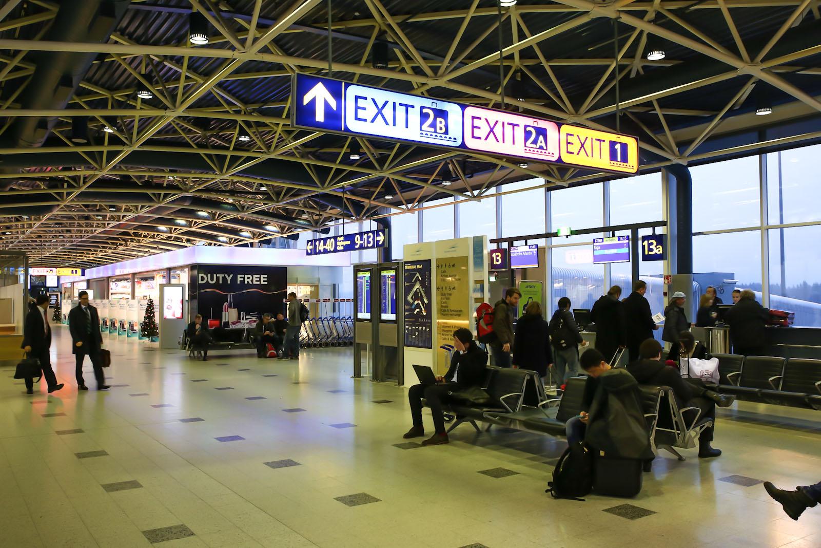 Зона вылета в Терминале 1 аэропорта Хельсинки Вантаа