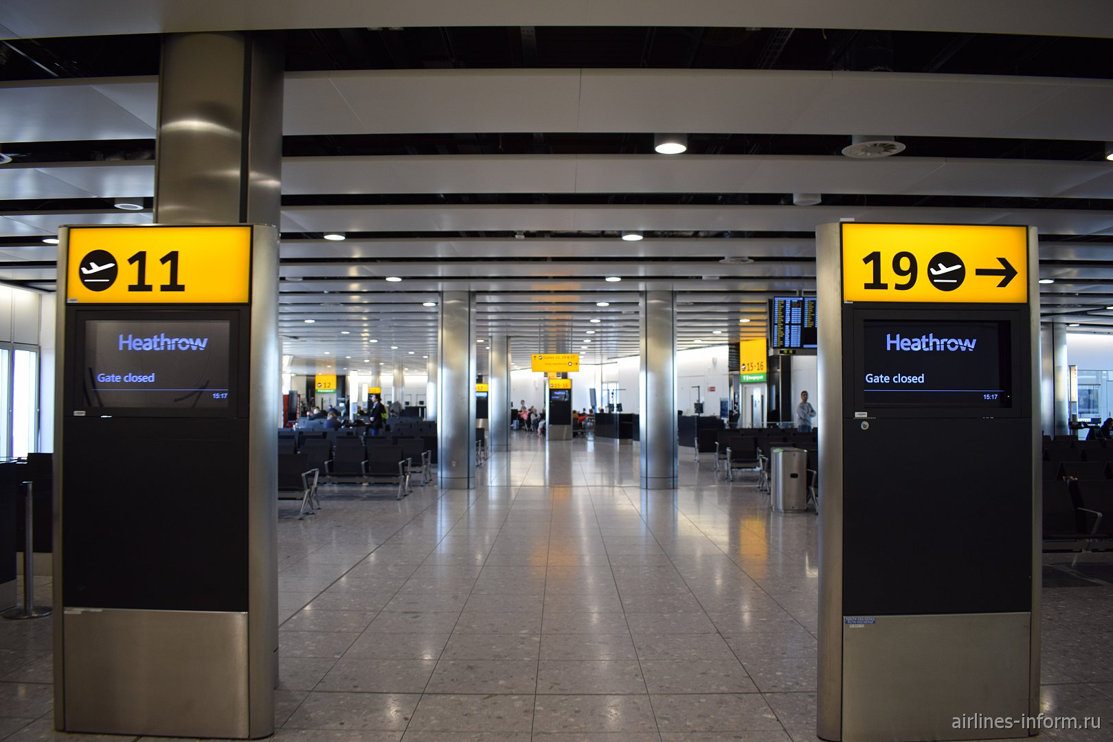 Выходы на посадку в терминале 4 аэропорта Лондон Хитроу