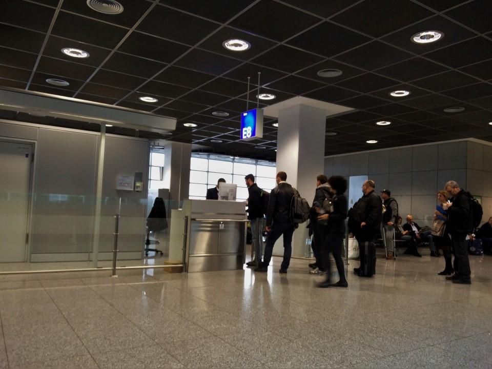 Выход на посадку в терминале 2 аэропорта Франкфурт