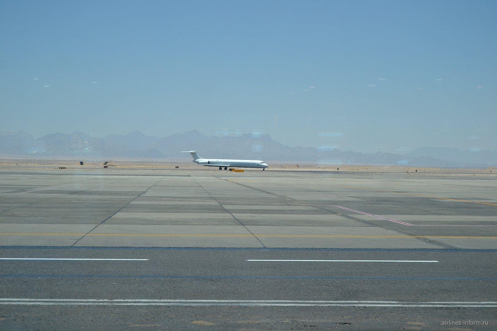 MD-83 компании Авиатранс К в аэропорту Хургада