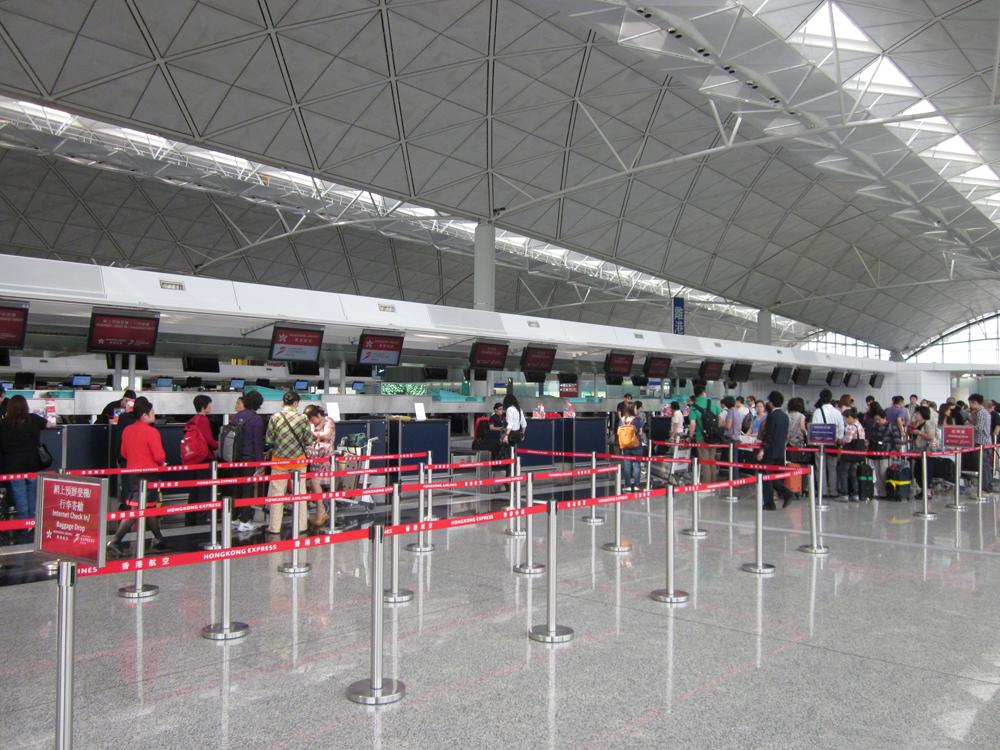 Стойки регистрации в терминале 1 аэропорта Гонконга