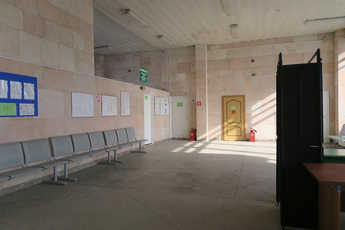 Внутри аэровокзала аэропорта Старый Оскол