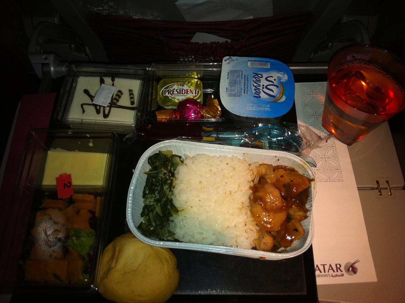 Питание на рейсе Доха-Бангкок Катарских авиалиний